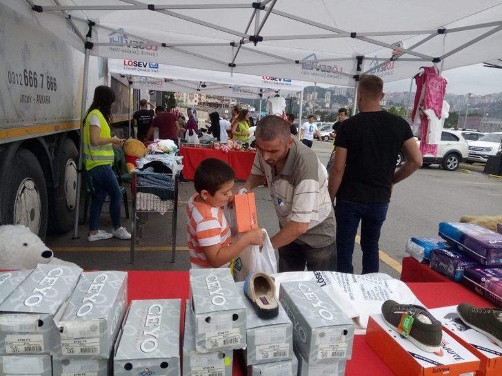 Lösev İyilikler Tırı Forum Trabzon'da Ailelerle Buluştu