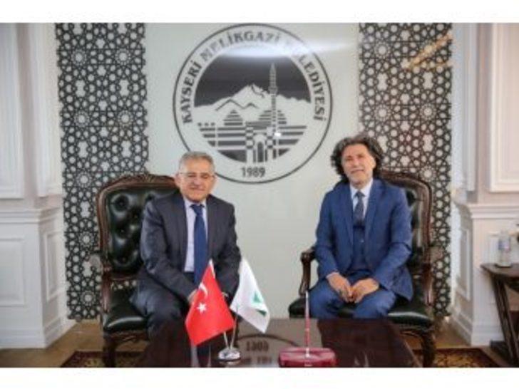 Başkan Büyükkılıç Prof. Dr. Erkılıç'ı Tebrik Etti