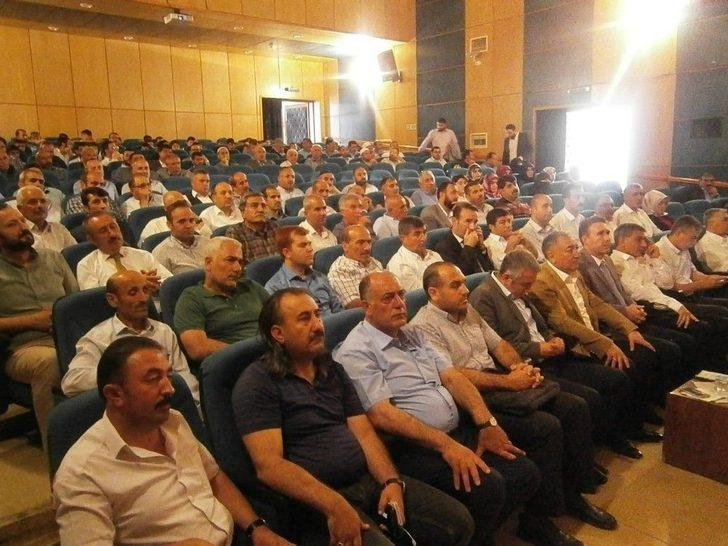 """Tatvan'da """"karanlık Geceden Aydınlık Sabaha"""" Konferansı"""