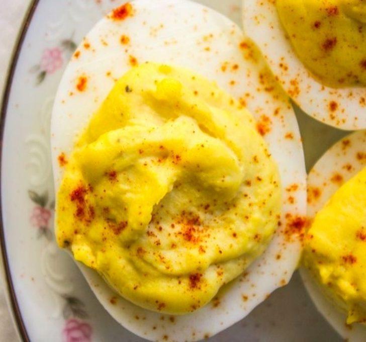 Haşlanmış Yumurta Beyazında Yumuşacık Sarı Krema