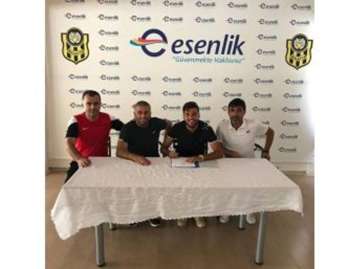 Yeni Malatyaspor, İstanbulsporlu Genç Futbolcuyu Kadrosuna Kattı
