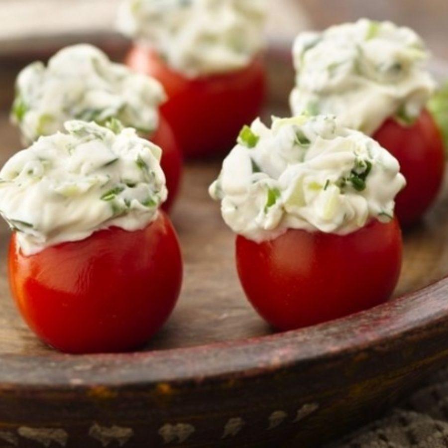 Salatalıklı Çeri Domatesi Dolması