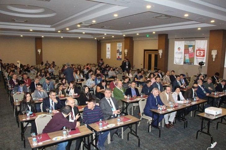 Aydın'da 22. Acil Tıp Bahar Sempozyumu Gerçekleşti