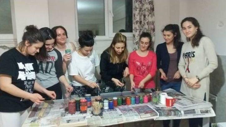 """Samsun'da Yabancı Öğrencilere """"ebru"""" Dersi"""