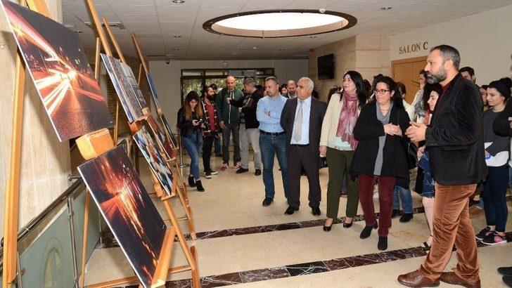 Meü Gazetecilik Bölümü Öğrencilerinden Fotoğraf Sergisi