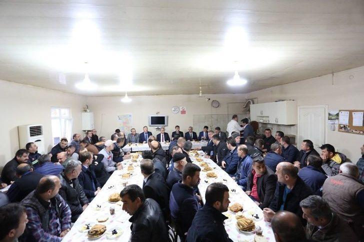 Başkan Alemdar, Belediye Personeli İle Bir Araya Geldi