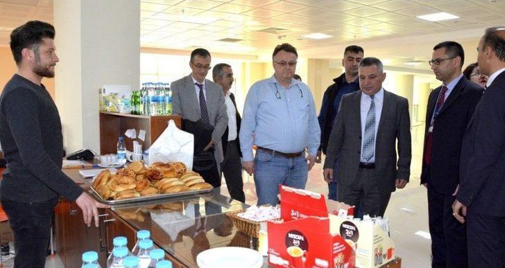 Çomü Rektörü Acer, Yeni Hastane Binasını Ziyaret Etti
