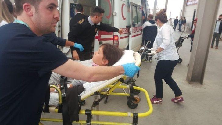 Aydın'da Öğrenciler Gıda Zehirlenmesi Şüphesi İle Hastaneye Kaldırıldı