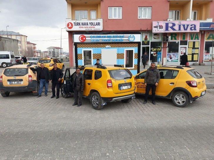 Çaldıran'da Taksici Esnafına Isıtmalı Durak