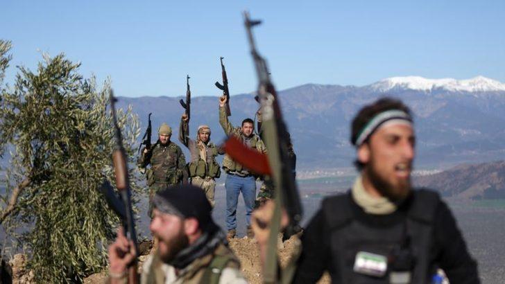 'Türkiye İdlib'deki Muhaliflere Silah Yardımını Arttırdı'