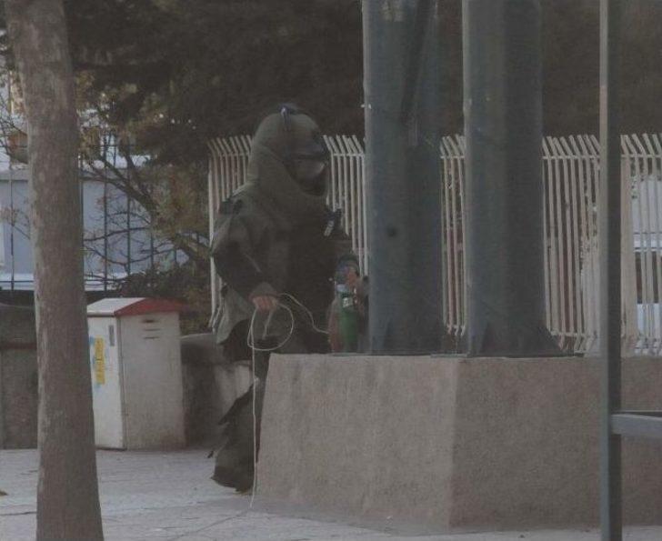Şüpheli Çantadan Öğrenci Kıyafeti Çıktı