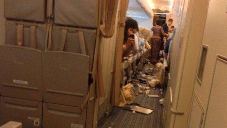 Картинки по запросу зона турбулентности в самолете