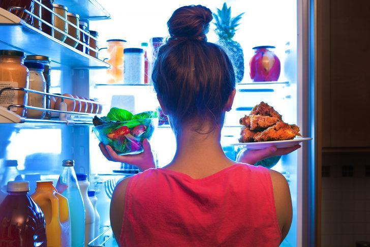 Bu gıdaları buzdolabında sakladığınızda hastalık saçıyor!