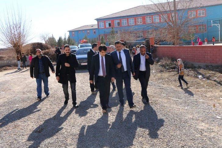 Kaymakam Çelik Ve Başkan Özyavuz Okulları Ziyaret Etti