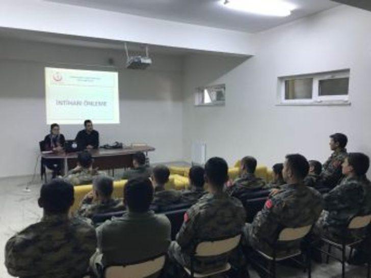 """Hava Radar Üssü'nde Görevli Askere """"intiharı Önleme"""" Eğitimi"""