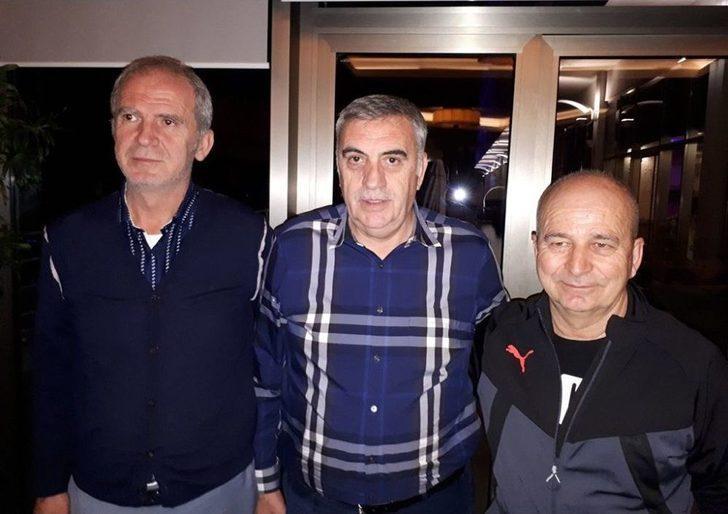 Başkan Toçoğlu, Kampta Olan Sakaryaspor Kafilesini Ziyaret Etti