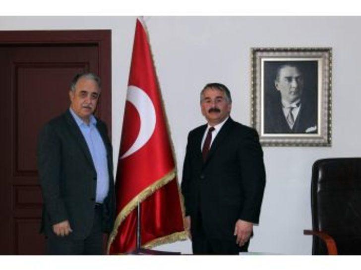 Hulusi Şentürk'ten Başkan Karakullukçu'ya Ziyaret