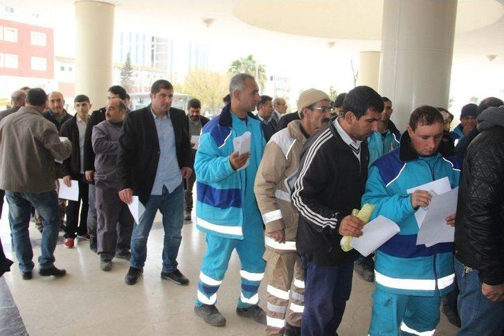 Şanlıurfa'da Taşeron İşçilerin 'kadro Evrakları' Kuyruğu