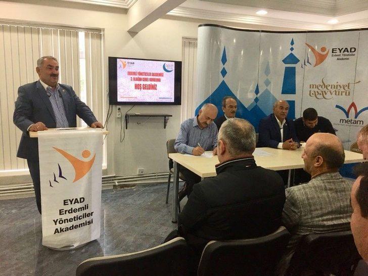 Ak Parti Konya Milletvekili Halil Etyemez, Yeniden Eyad Genel Başkanı Seçildi