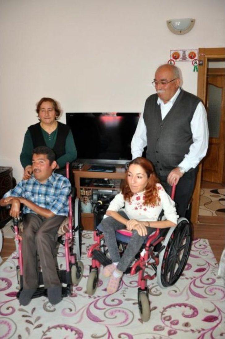 Engelli Kardeşler Radyo Yayınıyla Seslerini Duyuruyor