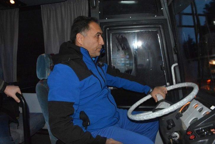 Sahada Hoca, Otobüste Kaptan