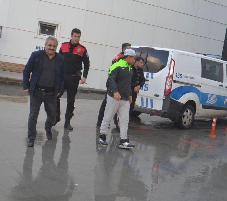 Aranan İnsan Taciri Kuşadası'nda Yakalandı