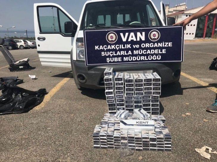 Van'da Kapalı Kasa Kamyonette Bin 200 Paket Sigara Ele Geçirildi