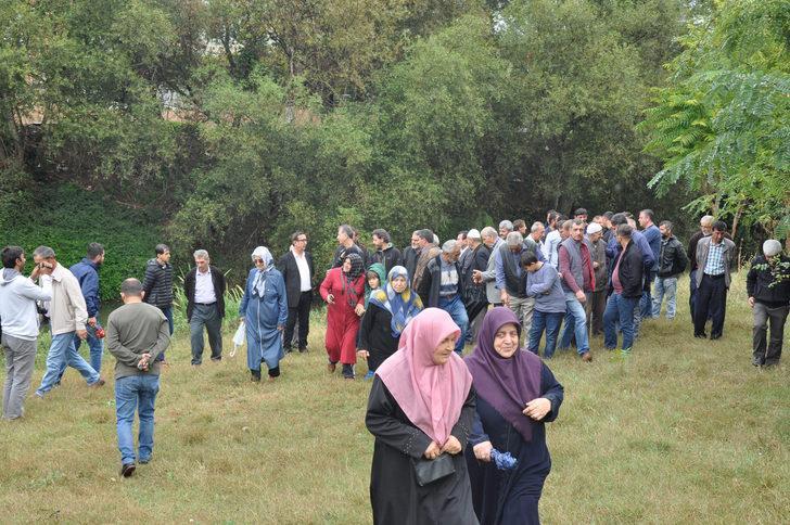 Bursa'da, derede toplu balık ölümlerine tepki