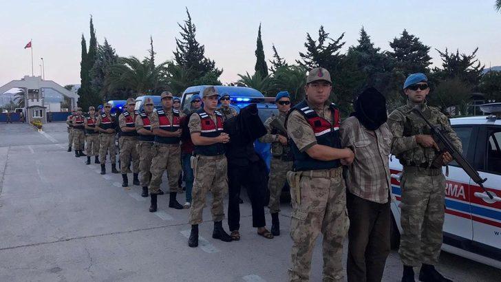 AA: MİT Suriye'de 9 YPG/PKK üyesini yakalayıp, Hatay'a götürdü