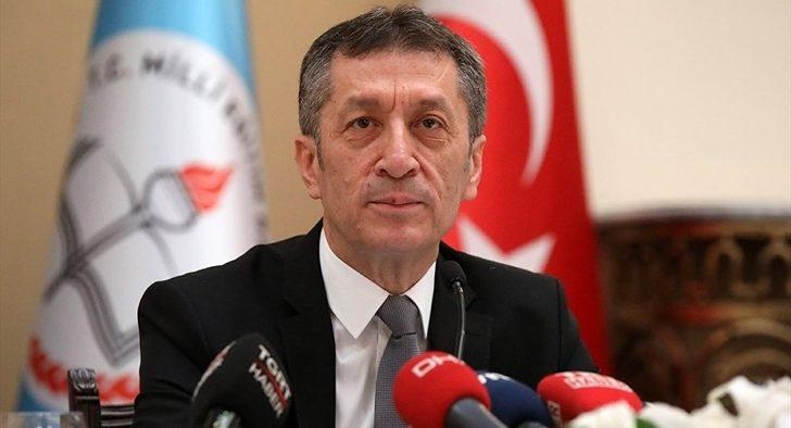 Milli Eğitim Bakanı Ziya Selçuk'tan Müzeyyen Senar ve Cem Karaca paylaşımı