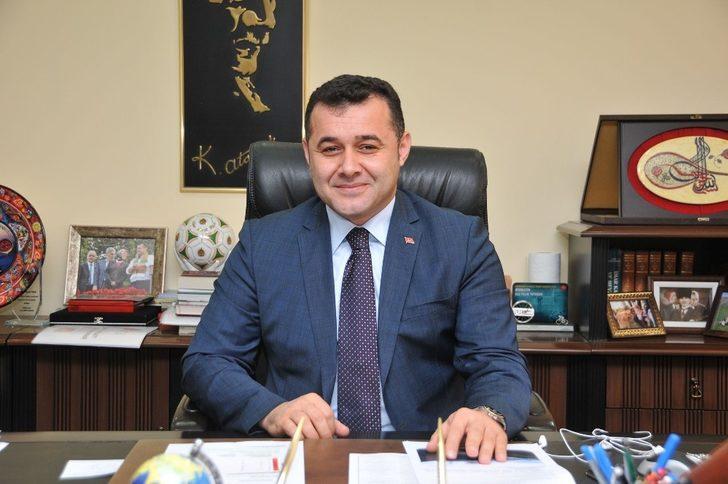 Başkan Yücel, Türkiye'nin en başarılı 5. Belediye başkanı seçildi