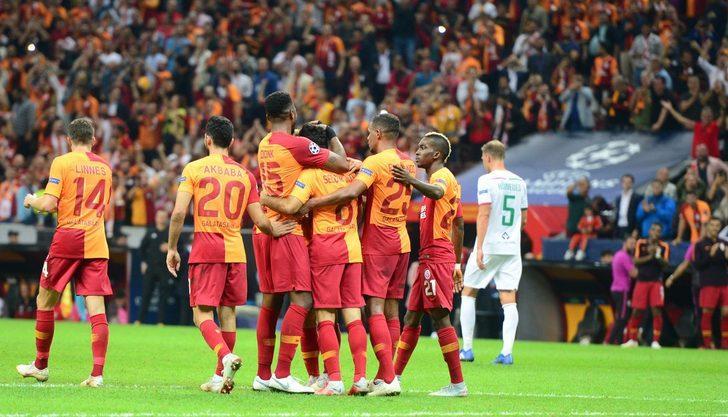 Galatasaraylı futbolcular Lokomotiv Moskova galibiyetini değerlendirdi
