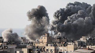 Füzeler ateşlendi! O bölge bombalandı!