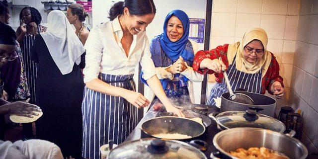 Yeni gelin aşevinde: Meghan Markle Müslüman kadınlarla mutfağa girip yemek yaptı
