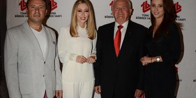Serginin geliri Türk Böbrek Vakfı'na