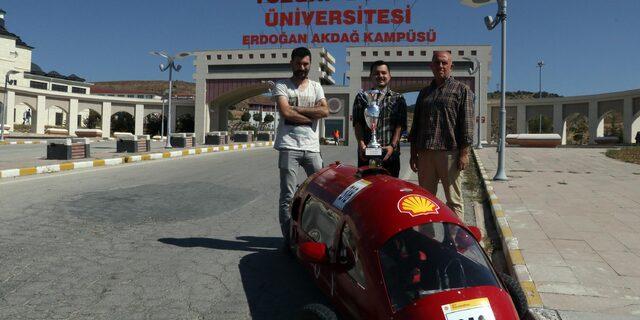 Bozok Üniversitesi'nde elektrikli araç gururu