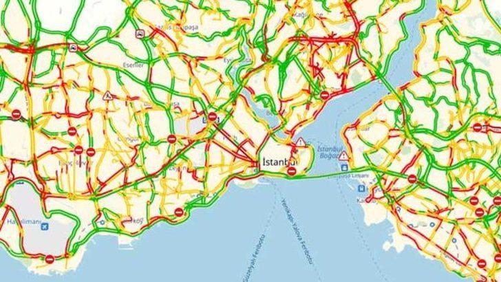 İstanbul'da yağmur trafiği! Yola çıkacaklar dikkat