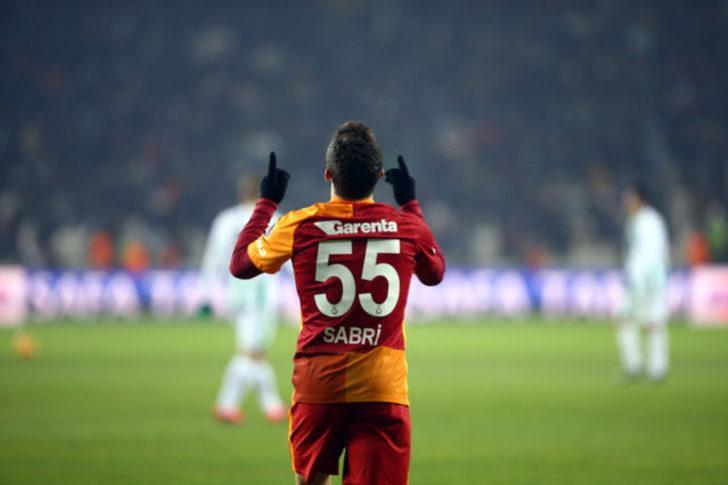 Sabri Sarıoğlu: Kötü oynasam bile canımı dişime takarak mücadele ediyorum. Dünyanın en iyisi Messi bile kötü bir maç çıkarabiliyor.