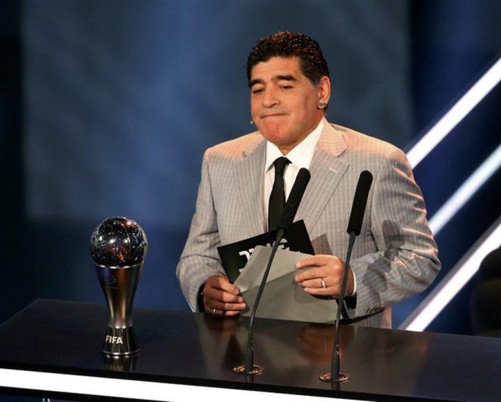 Diego Armando Maradona: Hagi'nin oynadığı futbolu özlüyorum.