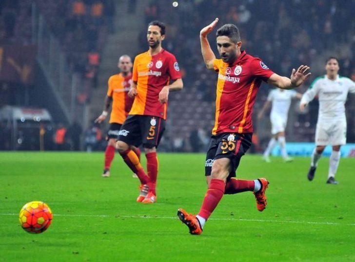 Sabri Sarıoğlu: Hakemlere karşı hırçındım. Annemin eleştirileri sayesinde 2-3 senedir düzeldim.