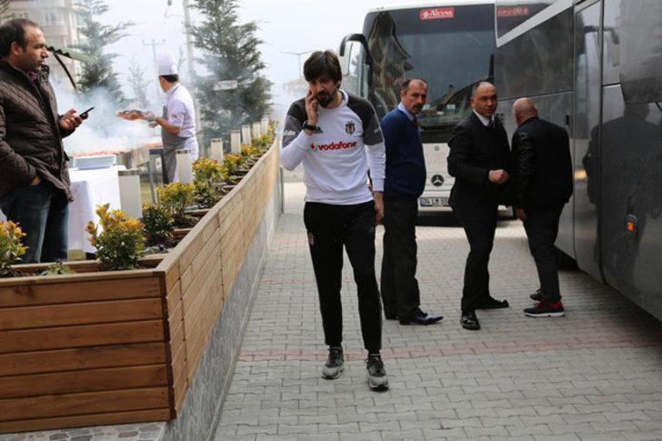 """Tolga Zengin: Olimpiyat Stadı'nda güzel olan tek şey isminin """"Atatürk"""" olması."""