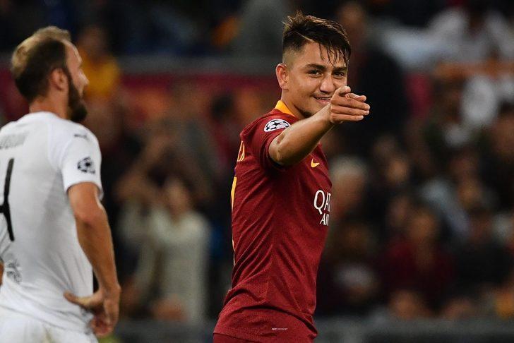 İkinci yarıda da üstün bir futbol sergileyen Roma'da 64'te defansın arkasına sarkan milli yıldızımız Cengiz Ünder, attığı şık golle durumu 3-0'a getirdi.
