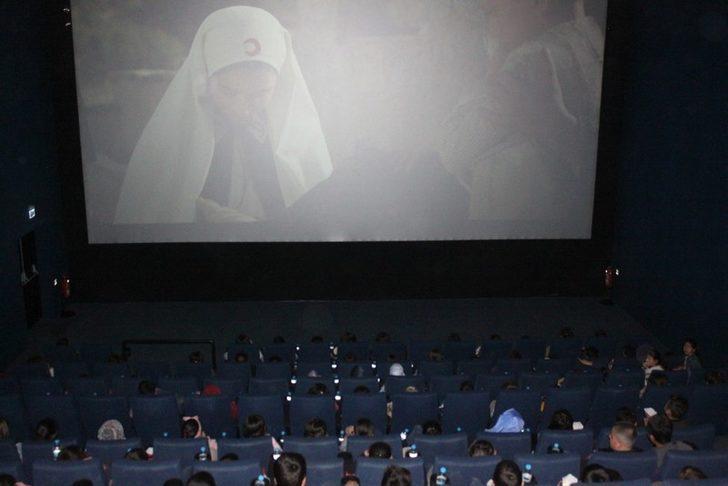 Vanlı öğrencilerin sinema keyfi