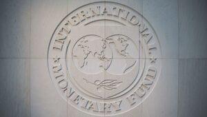 IMF neden dünyada toparlanma öngörürken Türkiye'de zor günler bekliyor?