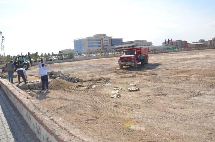 Erciş Belediyesinden hastaneye bin araçlık yeni otopark