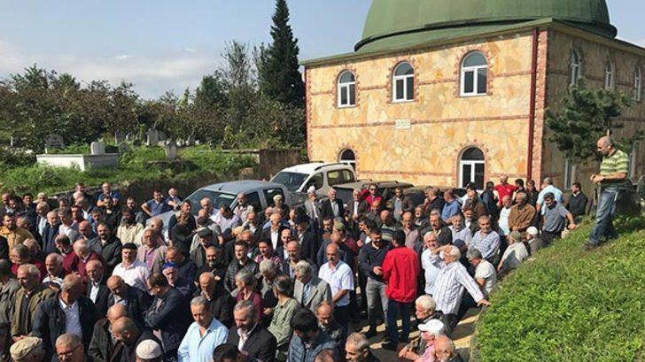 Trabzon Araklı'da ilginç olay! Cenazeye giden cemaat hoparlörden ölen kişinin sesini duydu ve...