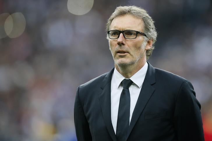 4 - BLANC DA LiSTEDE Kanarya, PSG'den ayrıldığından beri takım çalıştırmayan Laurent Blanc'ı da geniş listesine almış durumda. 52 yaşındaki çalıştırıcı Bordeaux'dan sonra Fransa Milli Takımı'nda görev yaptı. Son olarak da PSG'yi çalıştırdı. Oradan ayrıldığından beri de görev almıyor. Blanc'ın en önemli dezavantajı güçlü bir bütçe istemesi. UEFA takibindeki Fenerbahçe'nin Blanc'a istediğini vermesi zor.