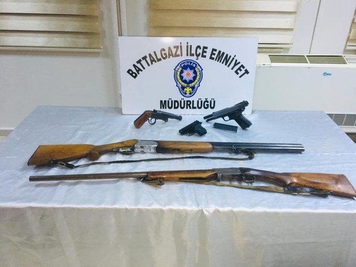 Malatya'da kaçak silah operasyonu