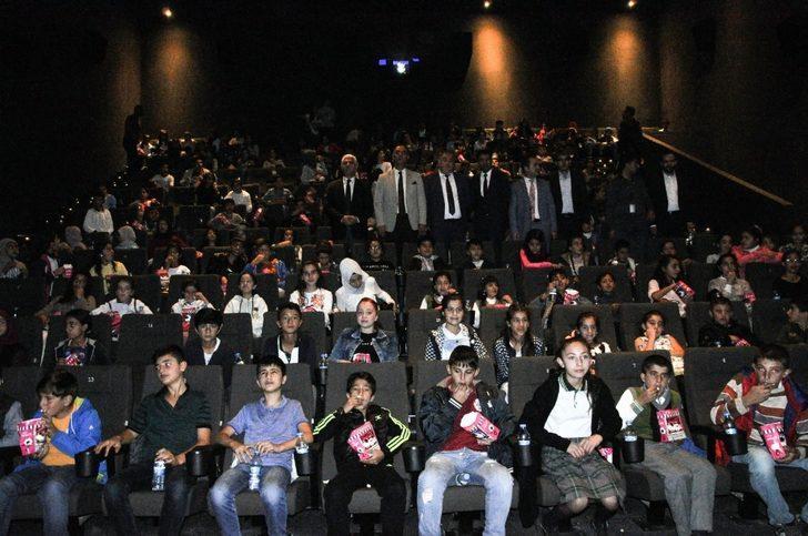 Van'da 25 bin öğrenci sinema ile buluşuyor