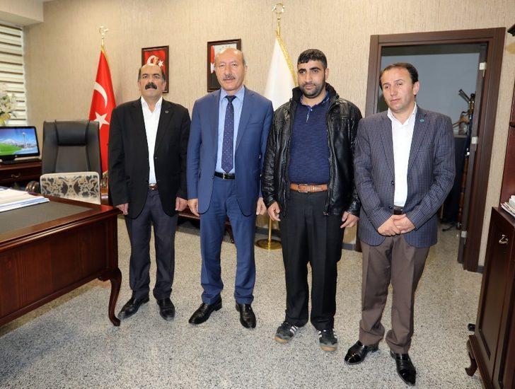 Şampiyonlardan Van Büyükşehir Belediyesine ziyaret